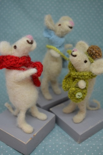 Mice £15 (between 12- 15cm, scarfs and bags can be changed)