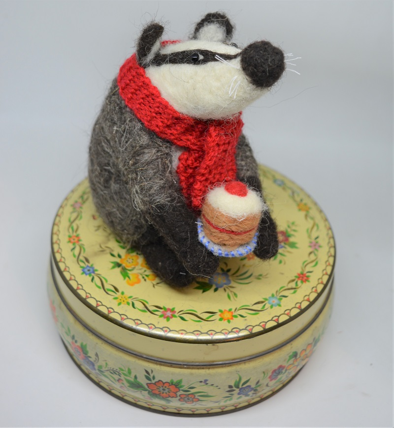 badger-with-birthday-cake-1