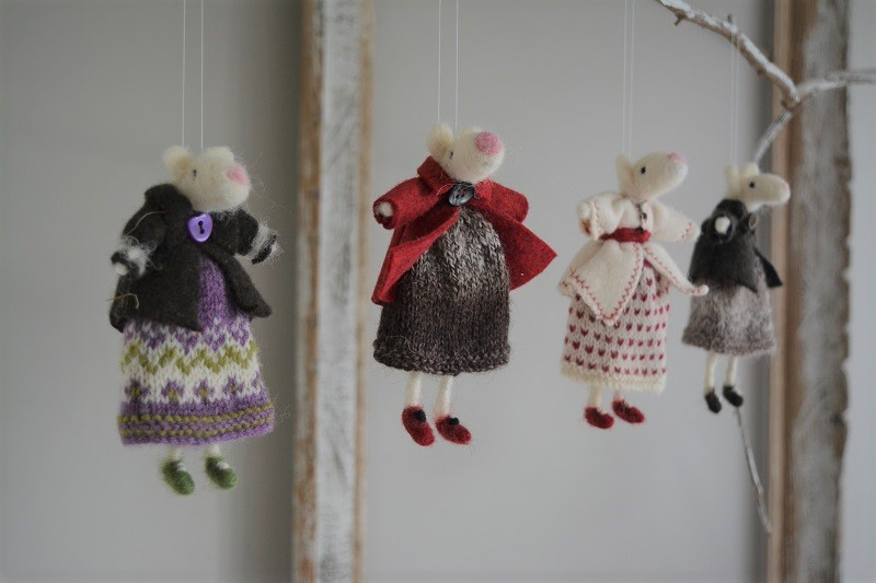 Mice in dresses decoration