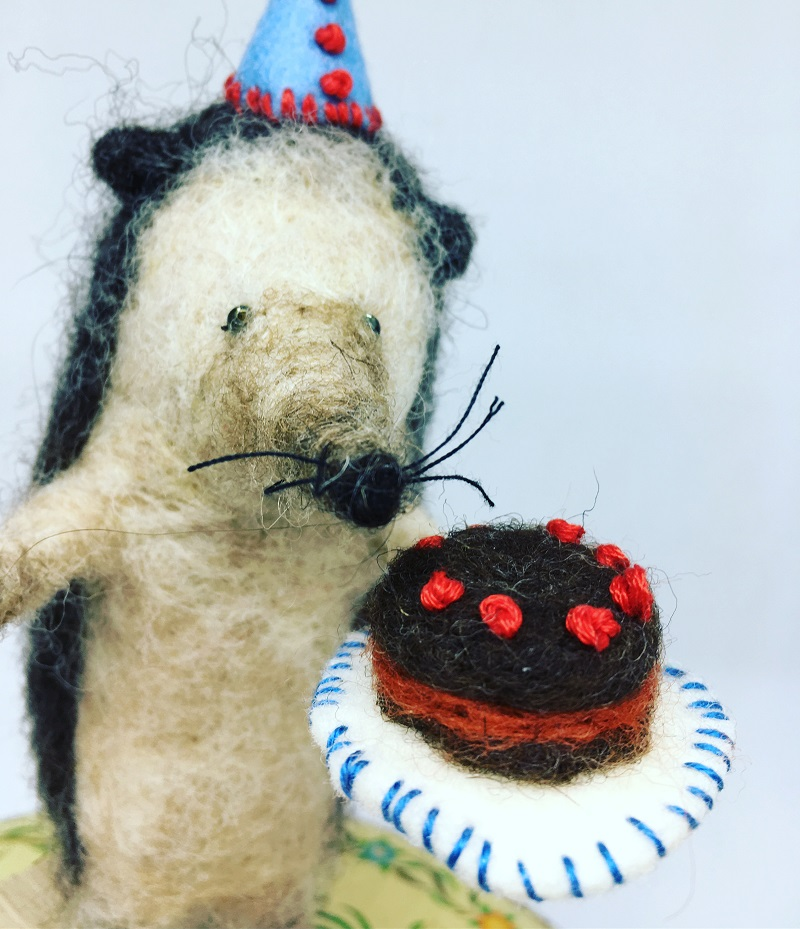 Felted Hedgehog with cake