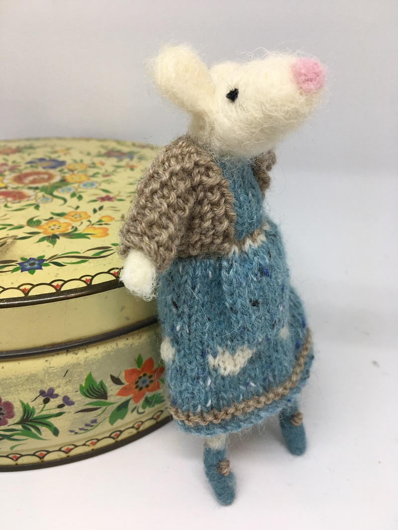 Mouse in blue knitted dress