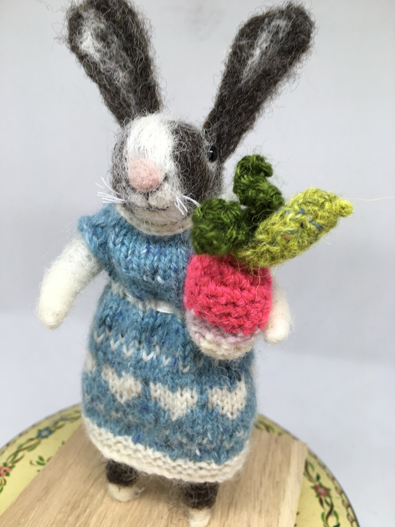 Felted rabbit with radish