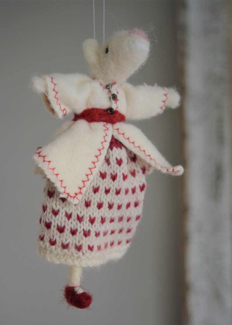 Winter mouse decoration